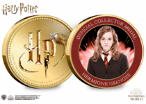 This official Harry Potter medal features on the reverse a full colour image of Hermione Granger. It has been protectively encapsulated in official Harry Potter packaging.