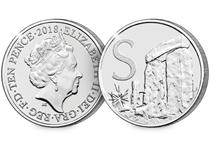 This 10p coin has been issued by The Royal Mint to celebrate Great Britain. It features the letter 'H' and represents Stonehenge. This 10p is an Early Strike UK uncirculated 10p coin.
