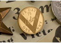 2020 marks the 75th anniversary of VE Day. The reverse of this gold penny features a v engraved on the coin with 'Victory' and 'VE Day 75'. Struck to a Proof finish in 375/1000 gold.