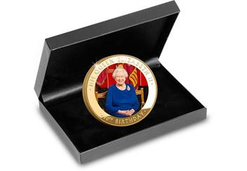 P859 - Queens 90th gold-plated photographic coin (4)