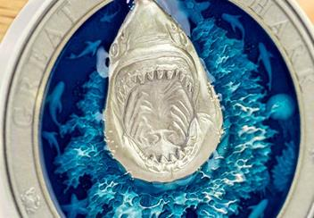 2018 Great White Shark Enamel 3Oz Silver Antique Finish Coin Reverse Close Up